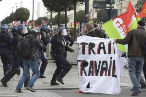 rennes.en-direct-des-incidents-republique-la-manif-repart_0